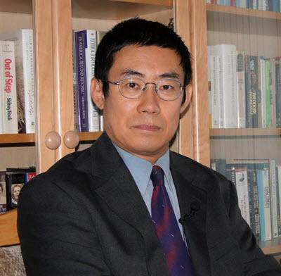 曹長青政論家